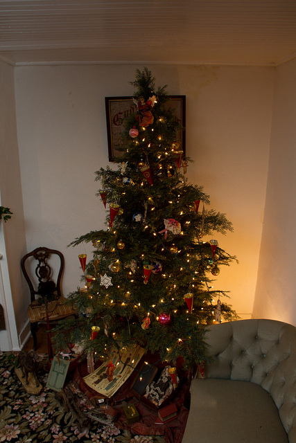 The Christmas Tree in the Victorian styled room