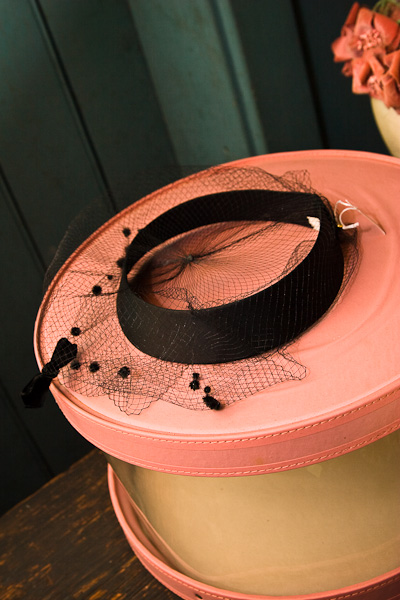 Early 1900\'s hat and hatbox